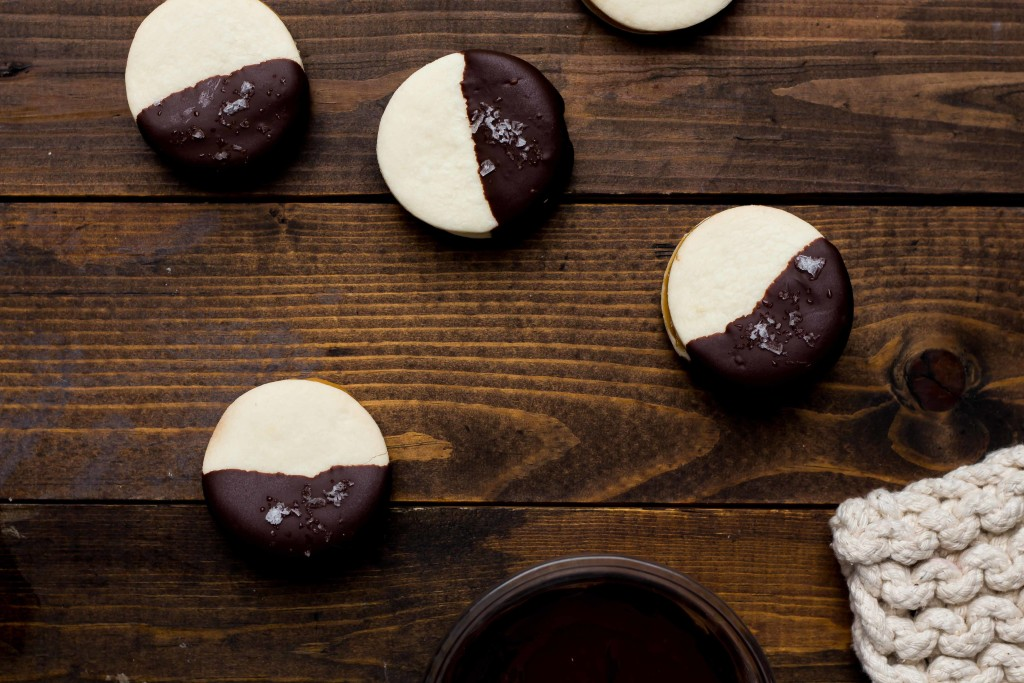 dark-chocolate-alfajores-13