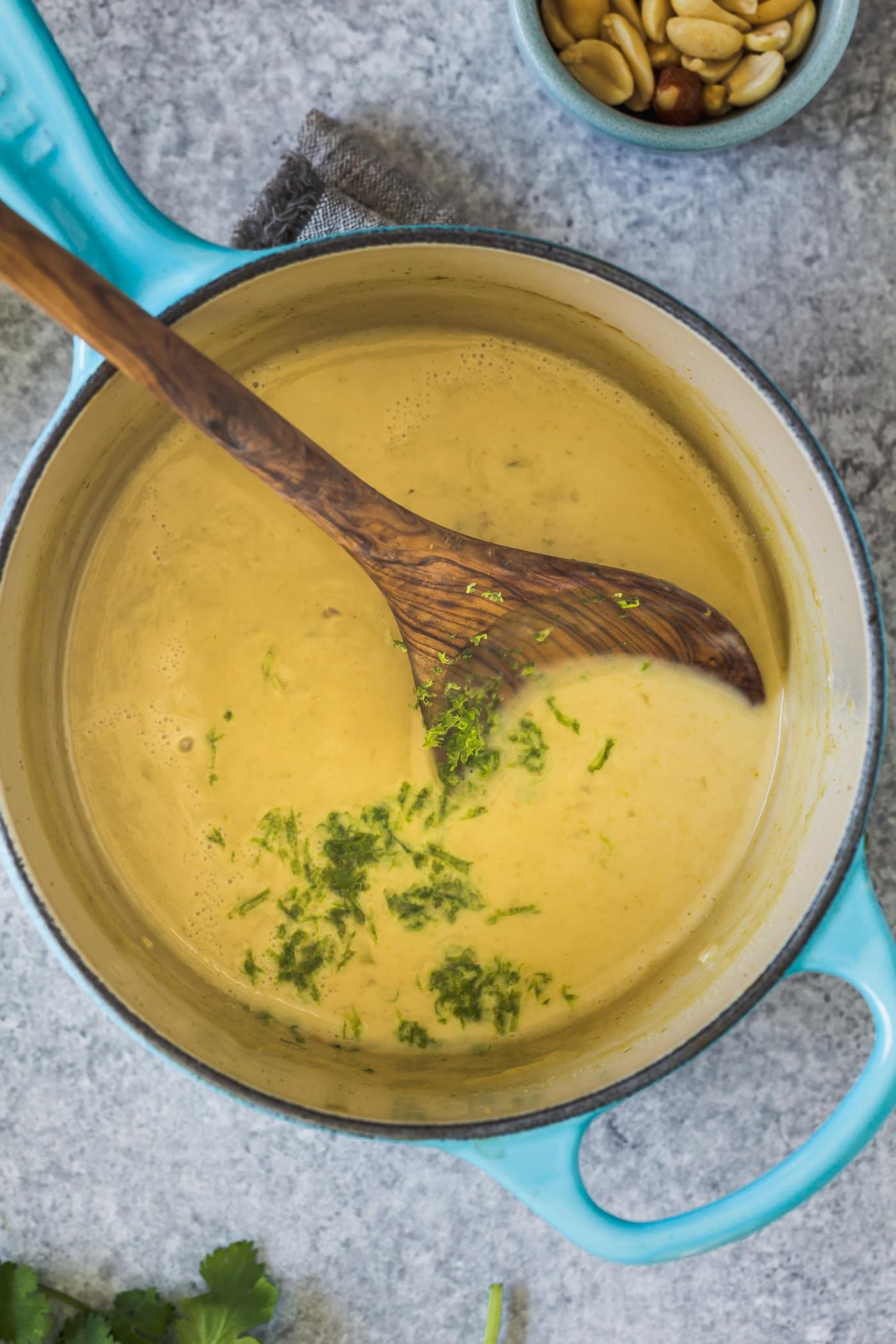 lemongrass curry sauce in the pot