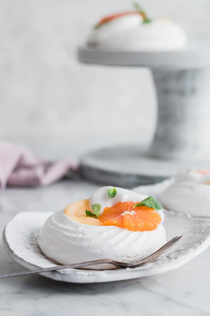 Vegan Pavlova with grapefruit curd