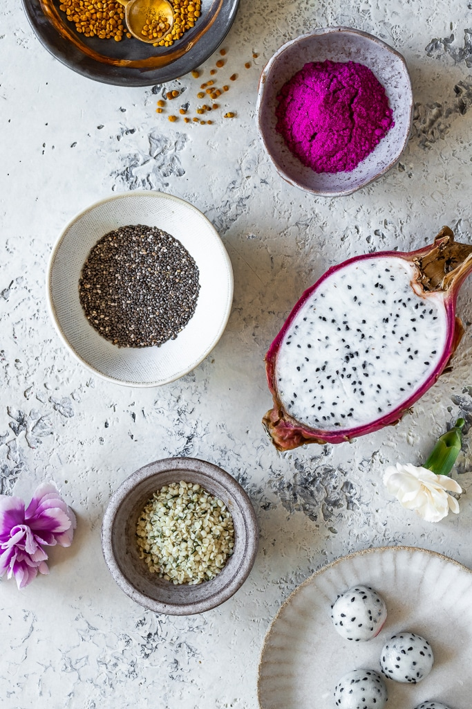 Dragon fruit smoothie ingredients