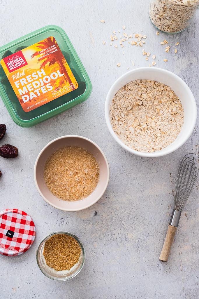 ingredients needed for making healthy vegan oatmeal breakfast cookies